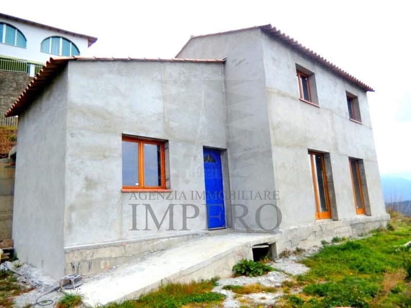Soluzione Indipendente in vendita a Castel Vittorio, 4 locali, prezzo € 110.000 | PortaleAgenzieImmobiliari.it