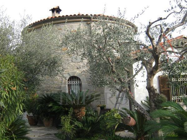 Villa a Mortola Inferiore, Ventimiglia