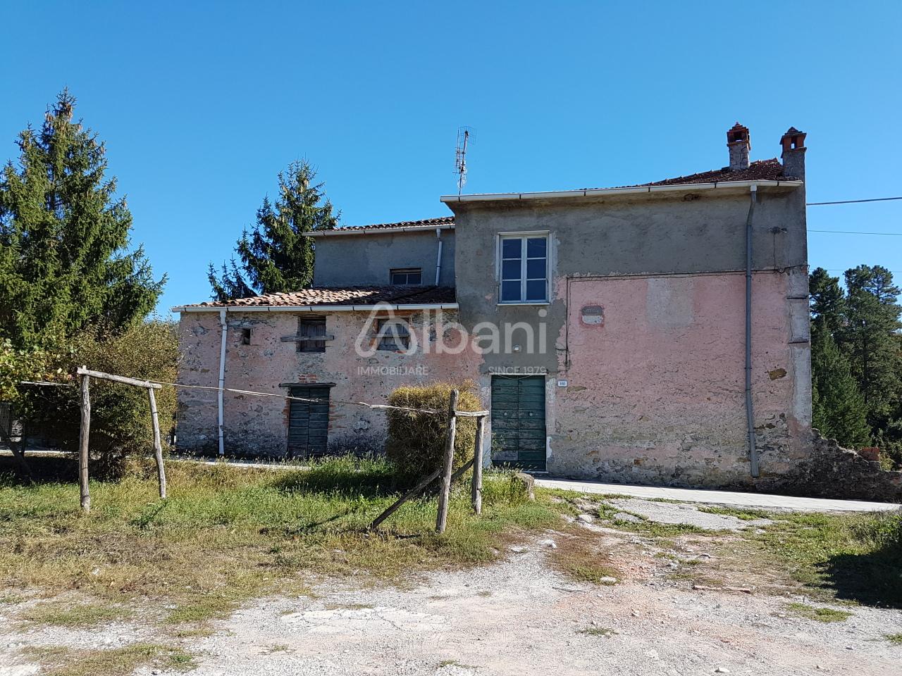 Rustico / Casale in discrete condizioni in vendita Rif. 8072890