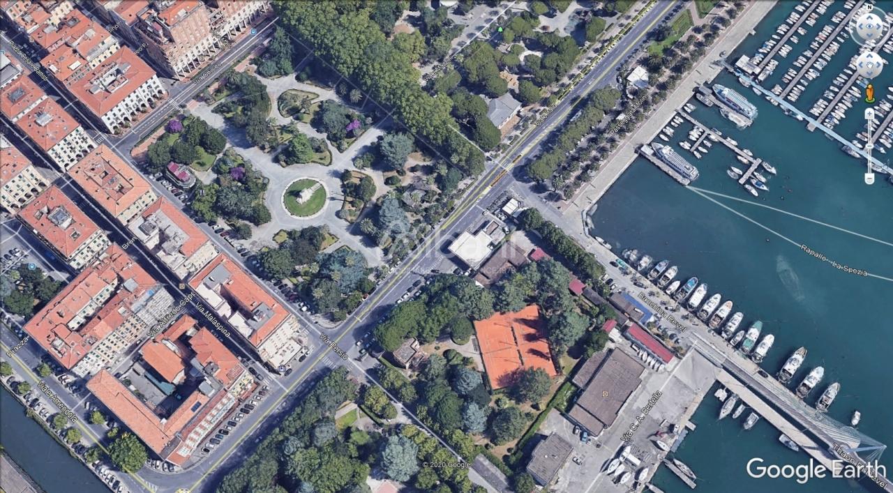 Appartamento in vendita a La Spezia, 10 locali, prezzo € 830.000 | PortaleAgenzieImmobiliari.it