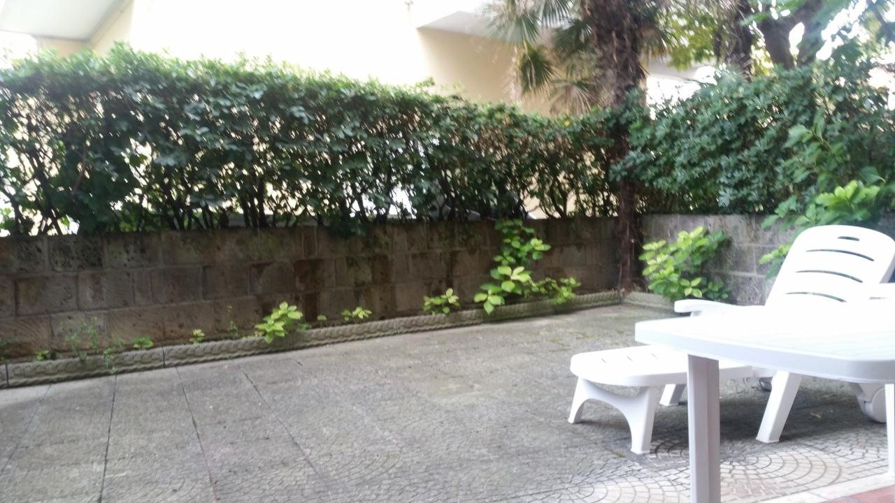 Trilocale in buone condizioni arredato in affitto Rif. 9517228