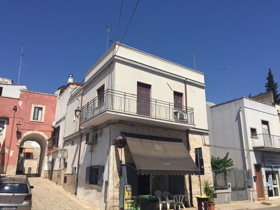 Appartamento in buone condizioni in affitto Rif. 10546870