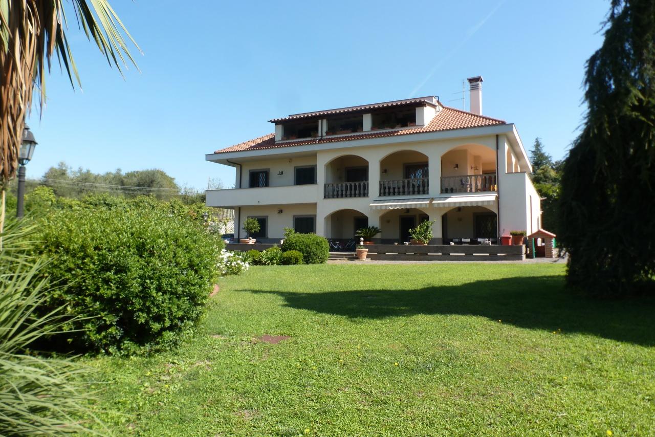 Villa in ottime condizioni in vendita Rif. 11478726