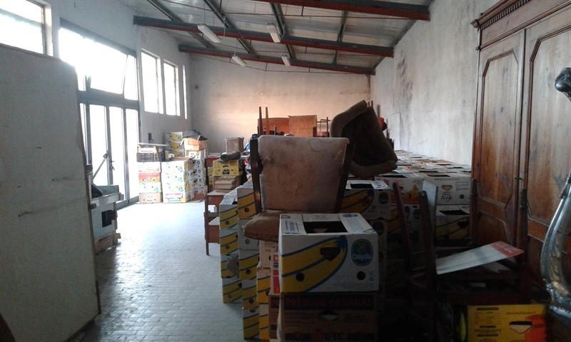 Capannone / Fondo - Industriale/Artigianale a Carrara Rif. 4158250