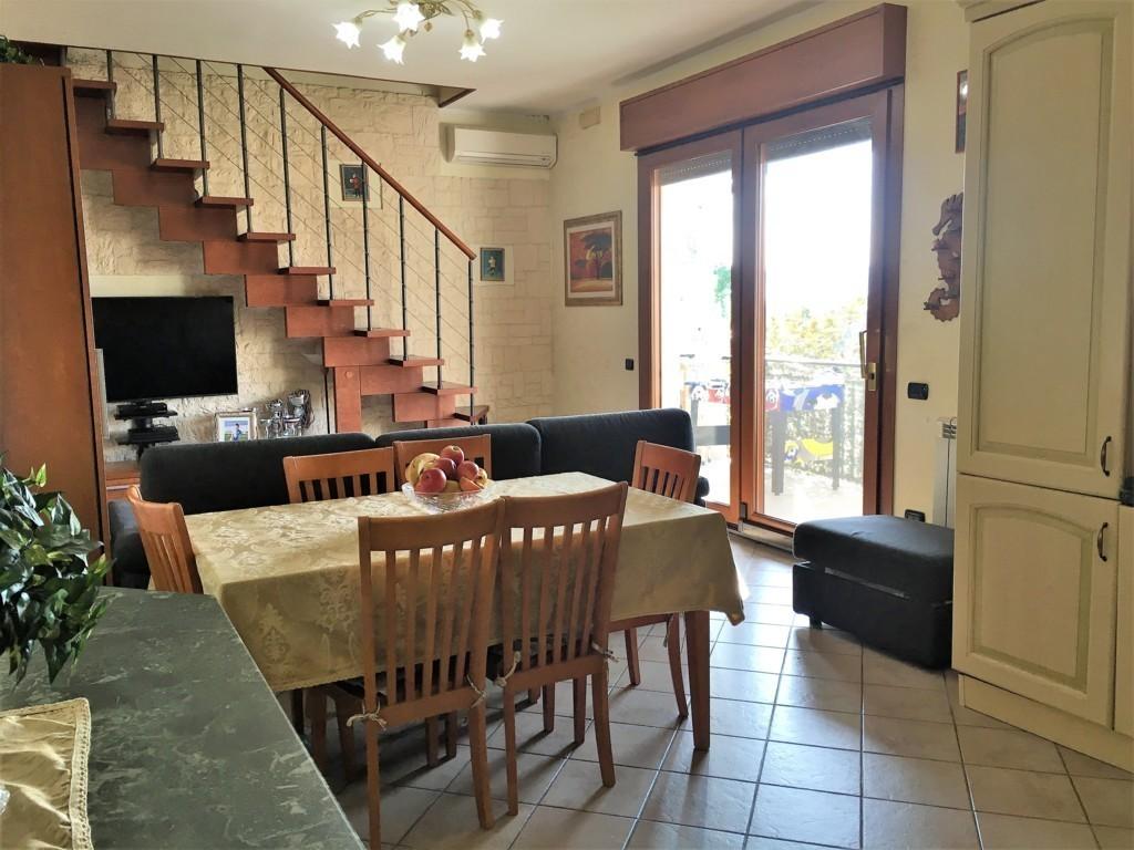 Appartamento in ottime condizioni in vendita Rif. 9612290