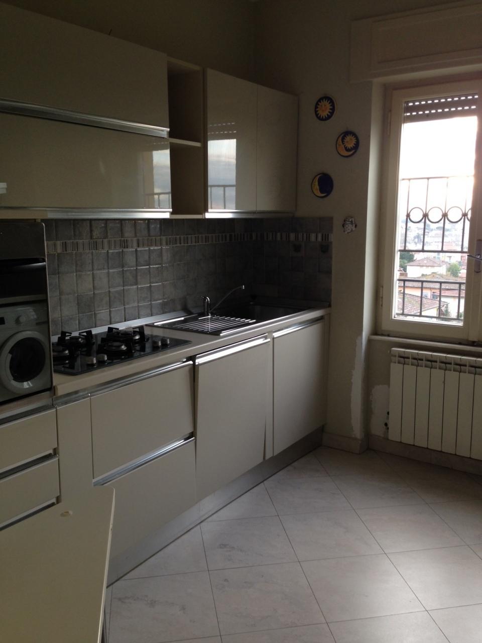 Appartamento da ristrutturare arredato in vendita Rif. 10106627