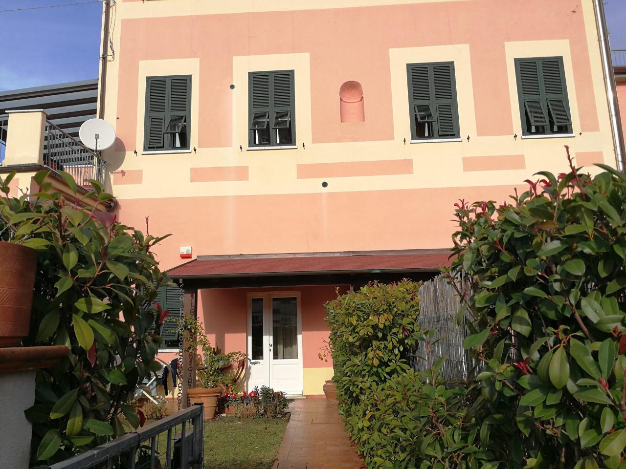 Semindipendente - Casa a schiera a Sarzana