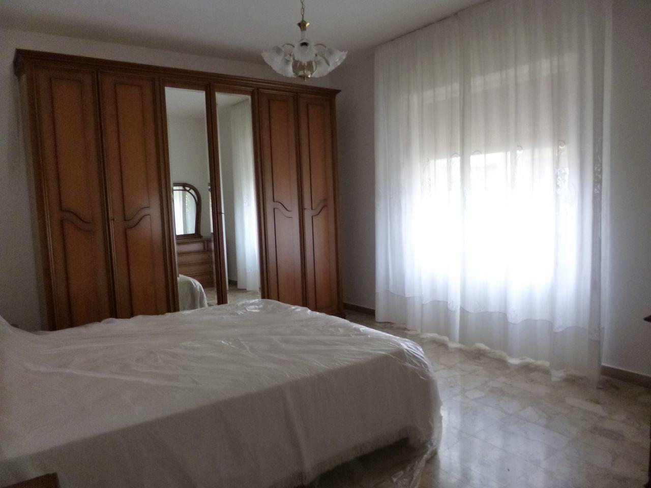 Appartamento in ottime condizioni in affitto Rif. 8633244