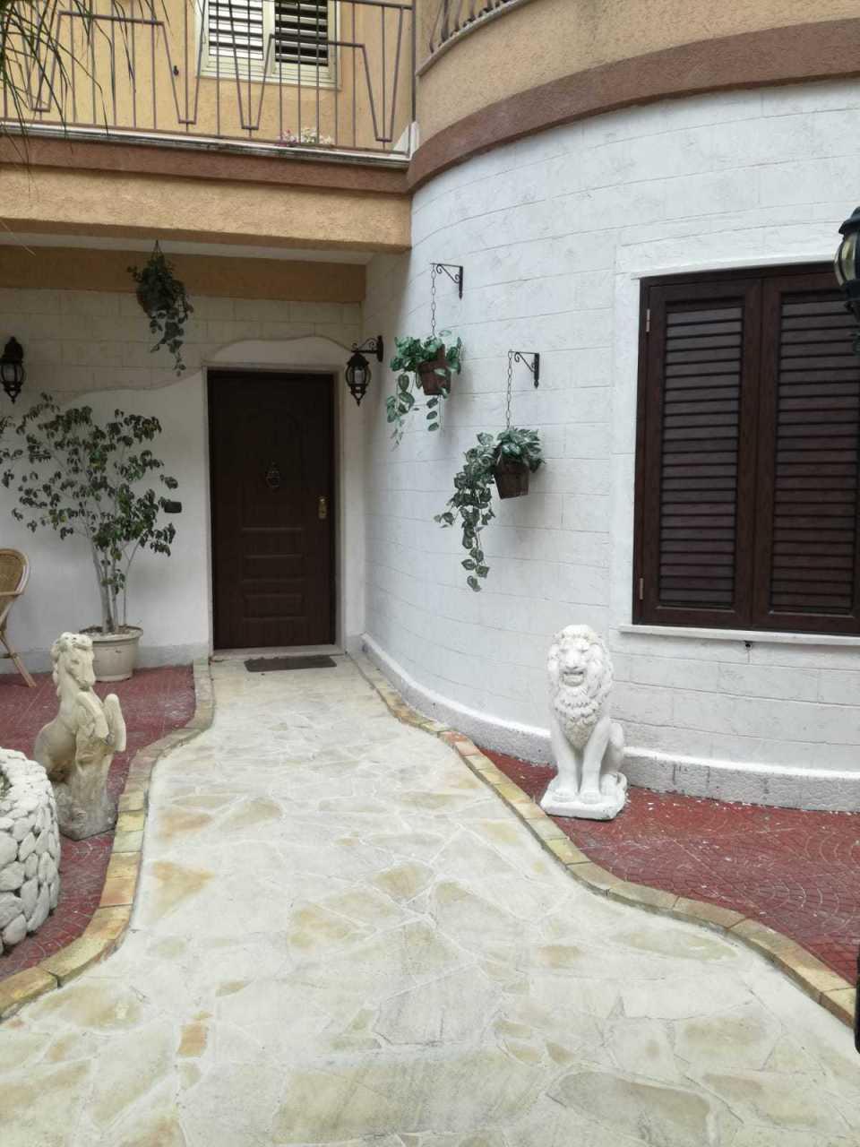 Casa Indipendente in buone condizioni in vendita Rif. 8184428