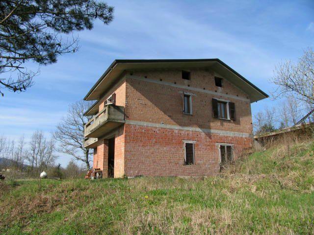 Casa Indipendente in buone condizioni in vendita Rif. 9116397
