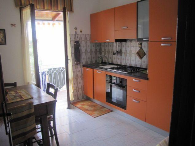 Appartamento in affitto a Castelnuovo Magra, 3 locali, prezzo € 450 | PortaleAgenzieImmobiliari.it