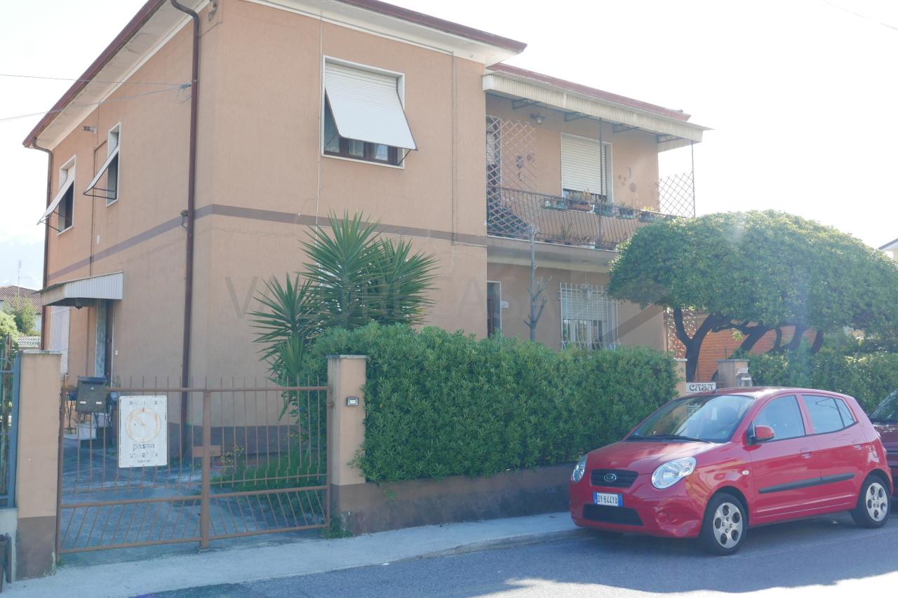 Porzione di casa in discrete condizioni in vendita Rif. 10063300