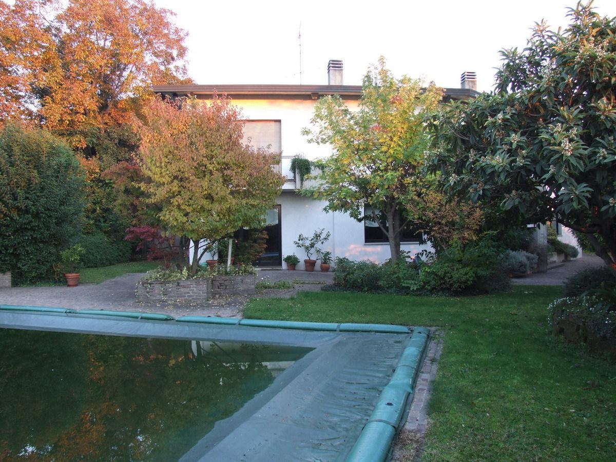 Villa in buone condizioni in vendita Rif. 6446473
