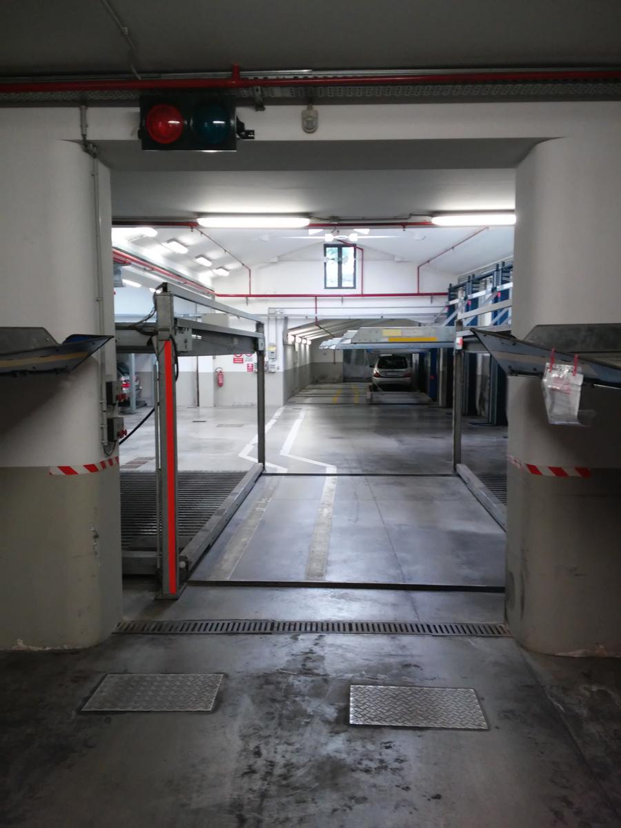 Garage / Posto Auto - Singolo a Zona Centro, Brescia