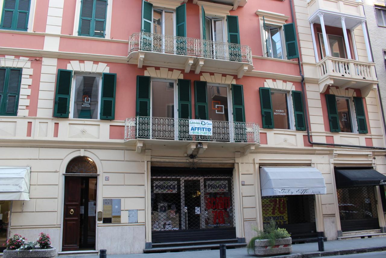 Ufficio / Studio in affitto a Rapallo, 3 locali, prezzo € 850 | CambioCasa.it