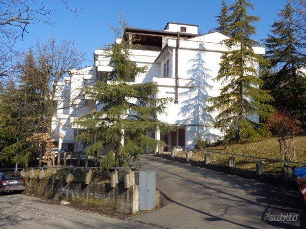 Appartamento in ottime condizioni in vendita Rif. 9511098