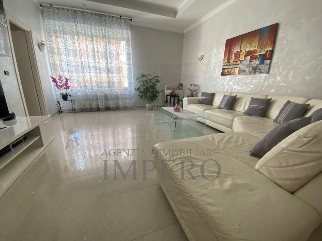 Appartamento in vendita a Ventimiglia, 4 locali, prezzo € 350.000 | PortaleAgenzieImmobiliari.it