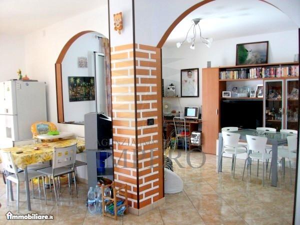 Appartamento in vendita a Camporosso, 3 locali, prezzo € 240.000 | PortaleAgenzieImmobiliari.it