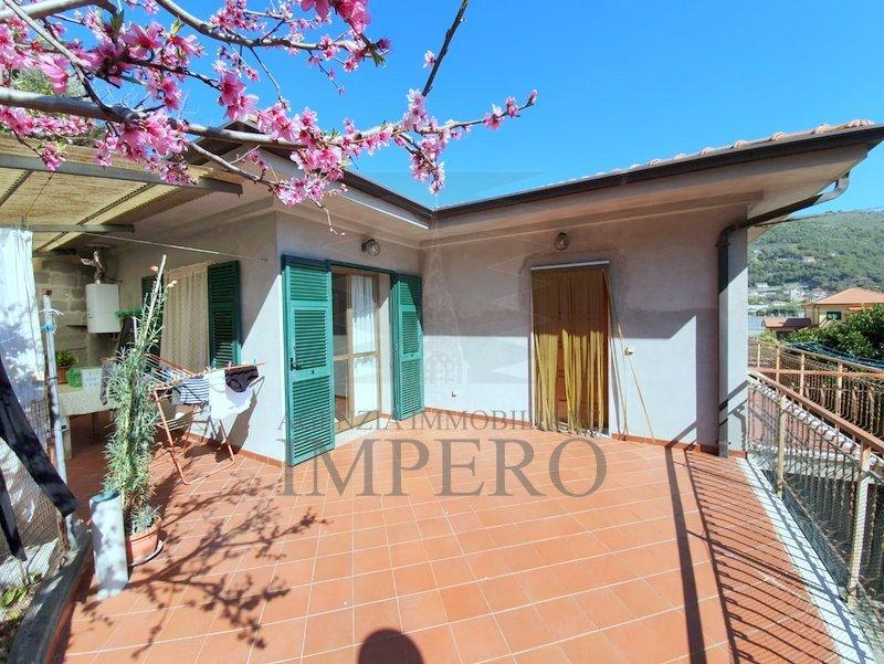 Soluzione Indipendente in vendita a Camporosso, 6 locali, prezzo € 400.000 | PortaleAgenzieImmobiliari.it