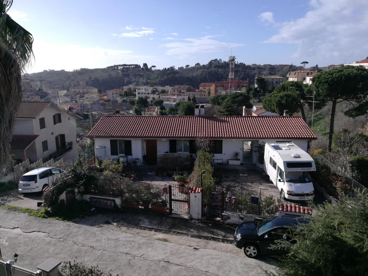 Porzione di casa in buone condizioni in vendita Rif. 8463408