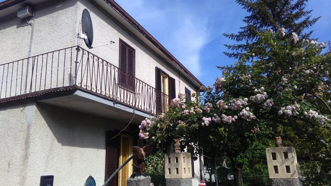 Casa Indipendente in buone condizioni in vendita Rif. 4159152