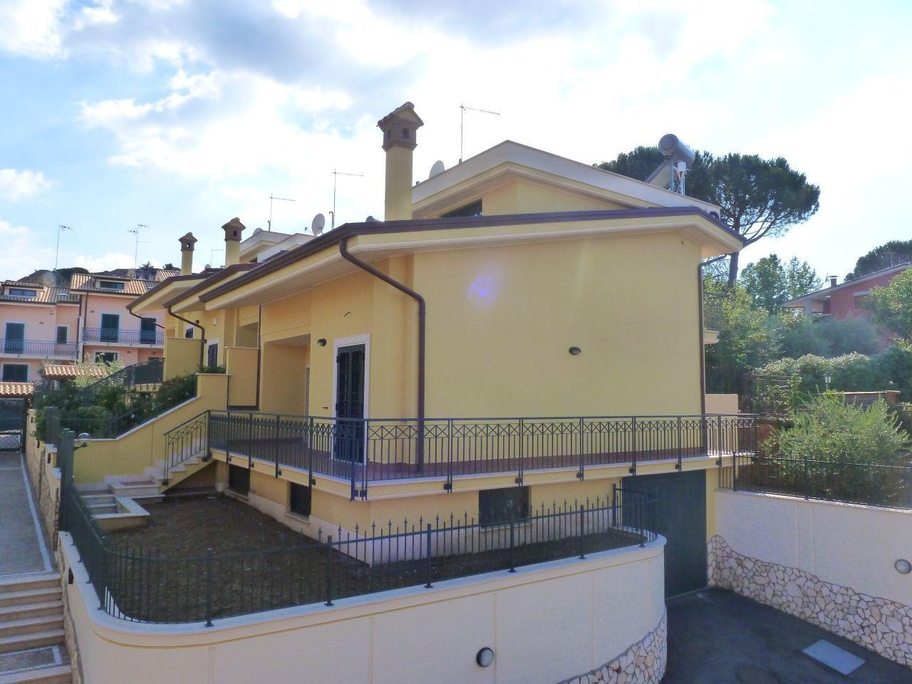 Villetta a schiera in vendita Rif. 11520071