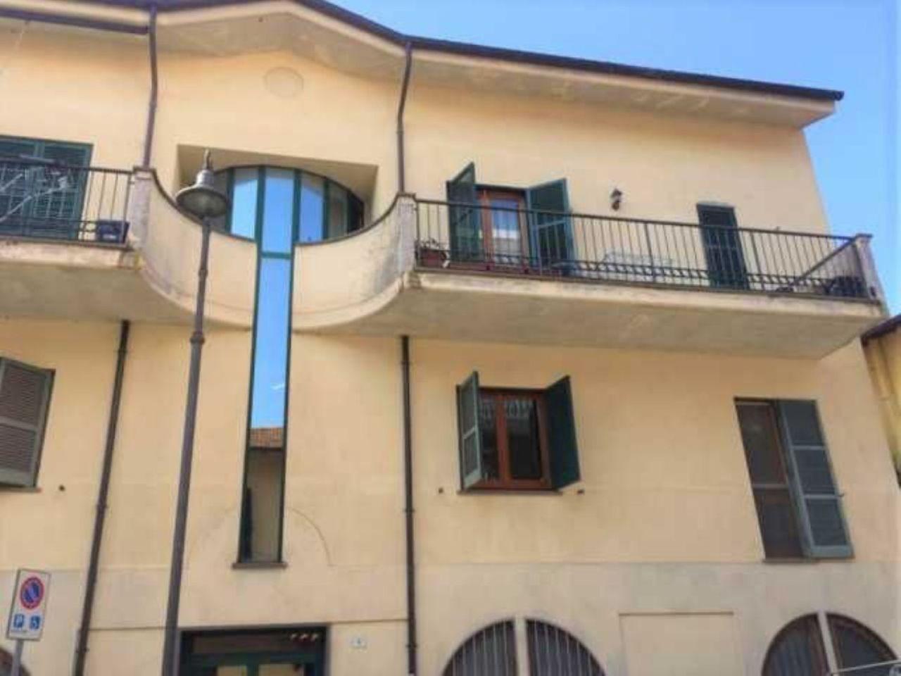 Quadrilocale in buone condizioni in affitto Rif. 11674535