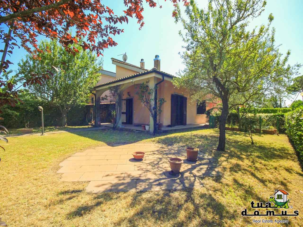 Villa in buone condizioni in vendita Rif. 10492003