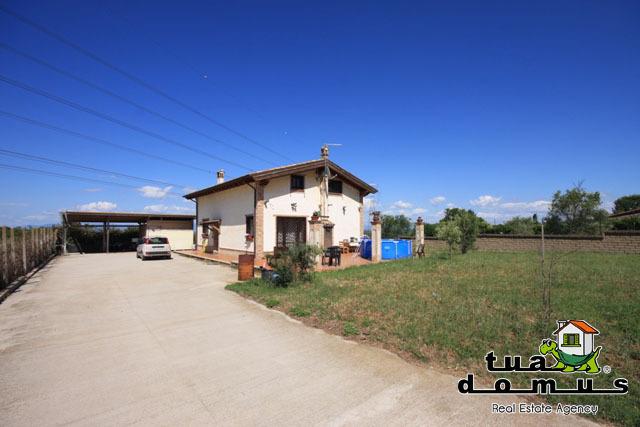 Casa Indipendente in buone condizioni in vendita Rif. 6576868