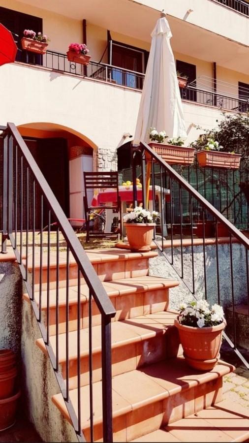 Porzione di casa in buone condizioni arredato in affitto Rif. 9847298