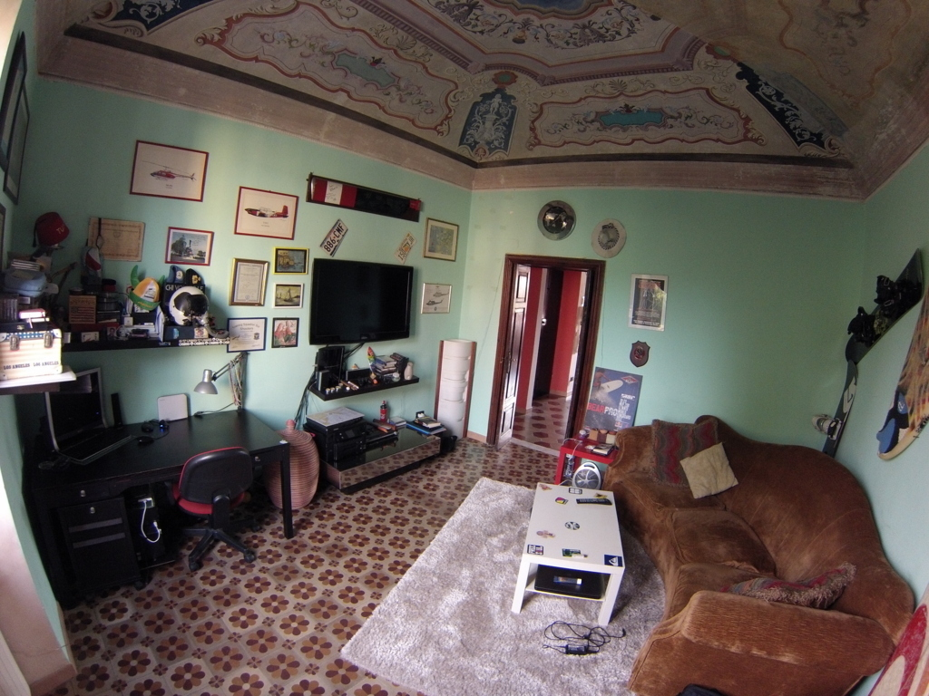 Appartamento in buone condizioni in vendita Rif. 8353194