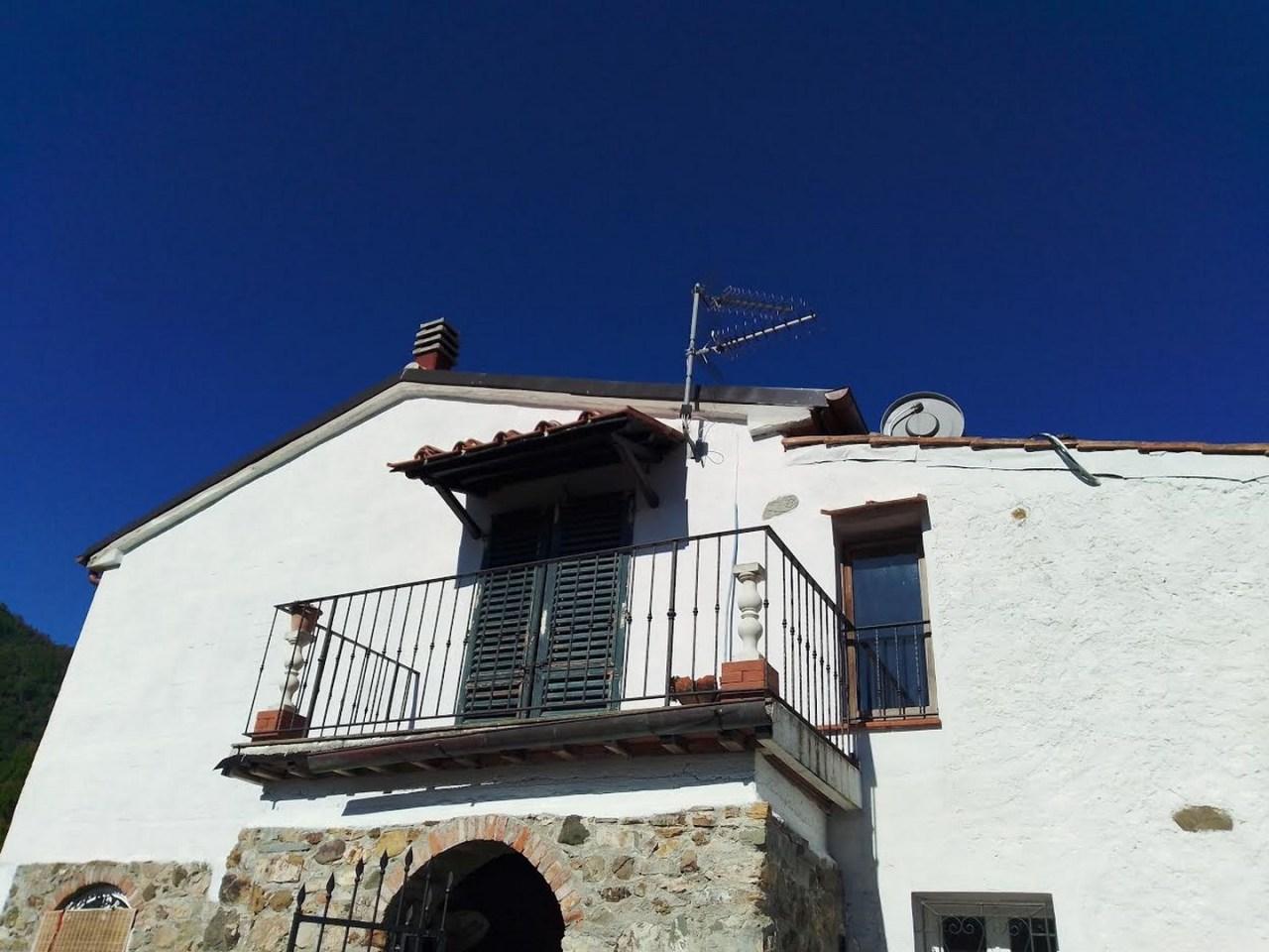 Casa Indipendente in buone condizioni in vendita Rif. 11316442