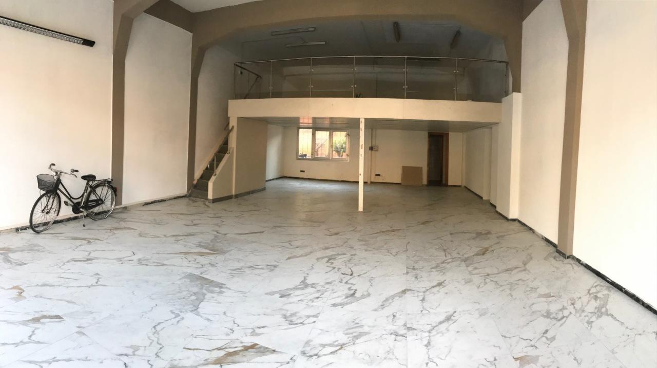Locale commerciale - 2 Vetrine a Ripa, Seravezza Rif. 9505683