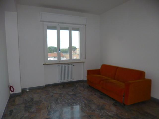 Appartamento in buone condizioni in affitto Rif. 8813765