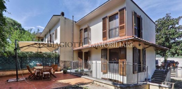 Casa Indipendente in ottime condizioni in vendita Rif. 9253942