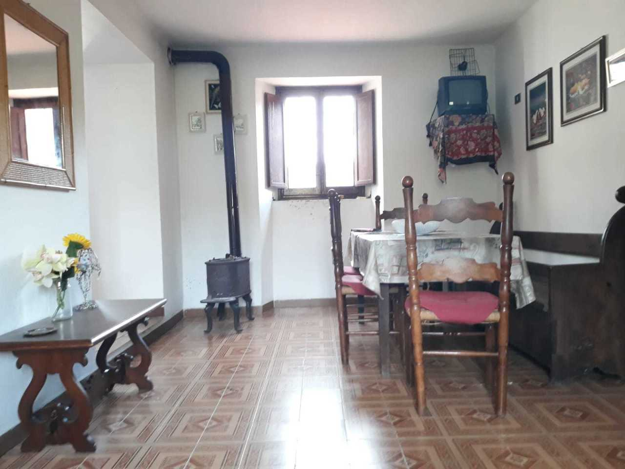 Appartamento in buone condizioni in vendita Rif. 10508407