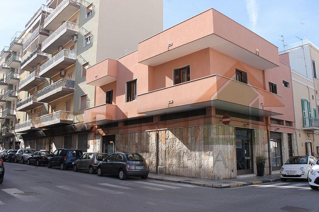 Locale commerciale - 1 Vetrina a Centrale, Monopoli Rif. 9902737
