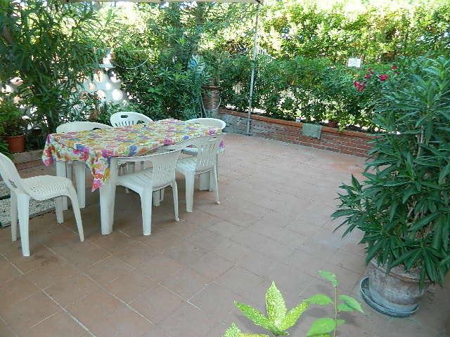 Appartamento in buone condizioni in affitto Rif. 9191164
