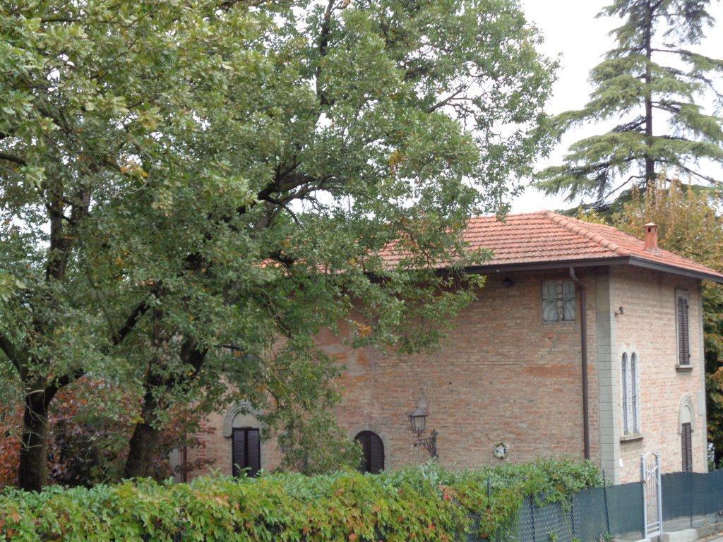 Casa Indipendente in buone condizioni in affitto Rif. 8253543
