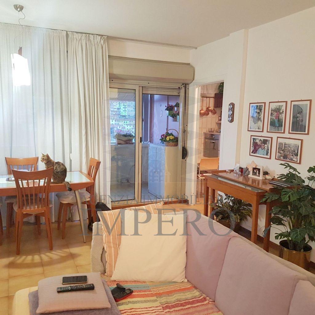 Appartamento in vendita a Ventimiglia, 5 locali, prezzo € 220.000   CambioCasa.it
