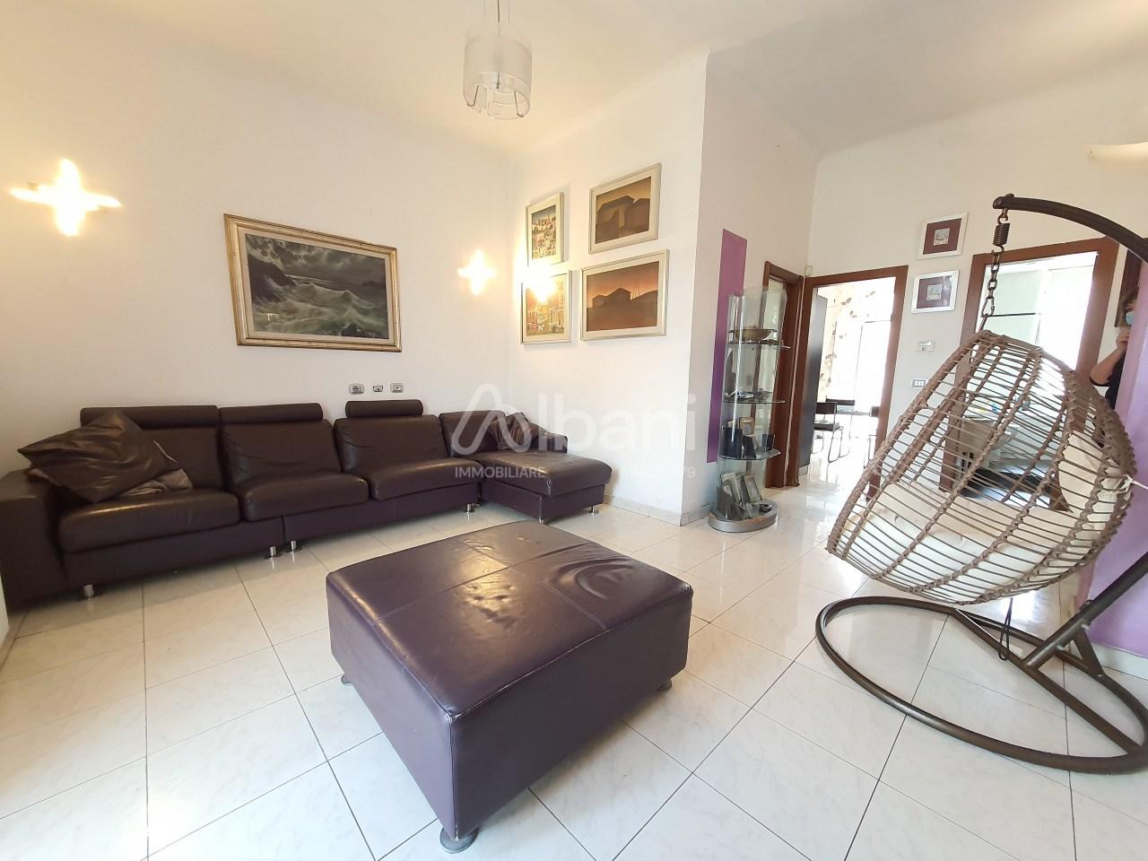 Appartamento in vendita a La Spezia, 6 locali, prezzo € 280.000 | PortaleAgenzieImmobiliari.it