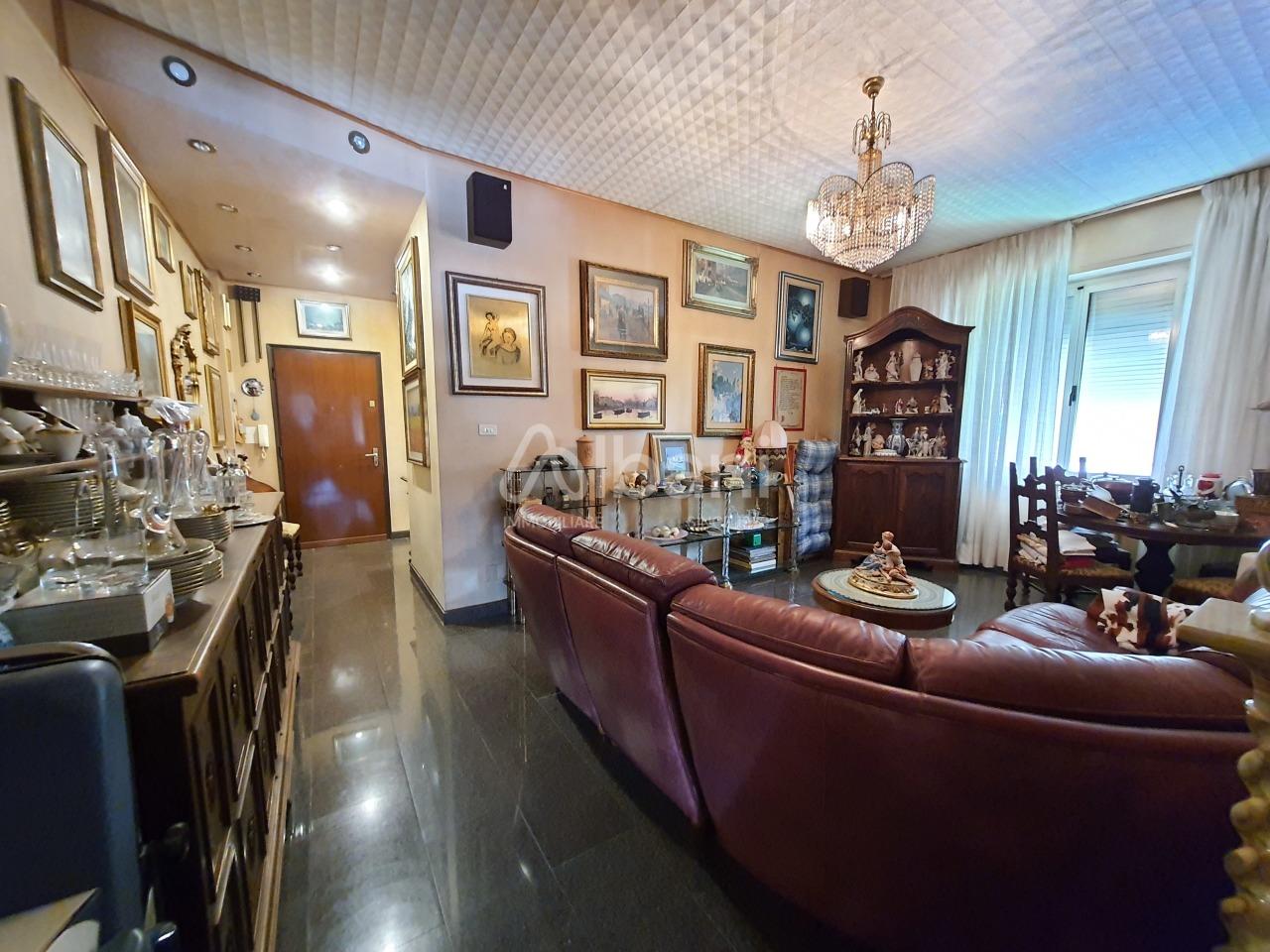 Appartamento in vendita a La Spezia, 4 locali, prezzo € 160.000 | PortaleAgenzieImmobiliari.it
