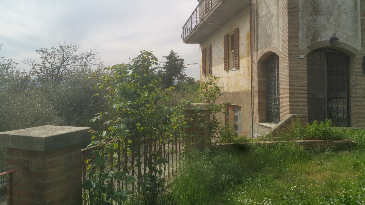 Semindipendente - Porzione di casa a Montecastrilli