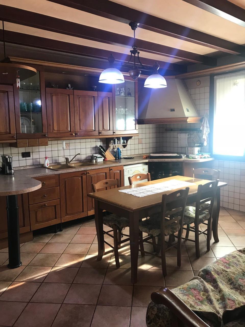 Casa Indipendente in ottime condizioni in vendita Rif. 7026823