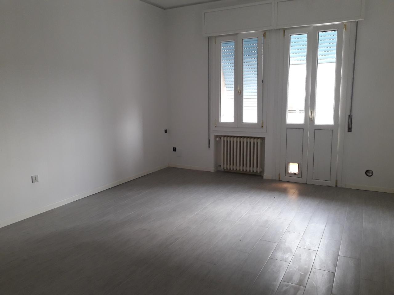 Trilocale in ottime condizioni in affitto Rif. 9239822
