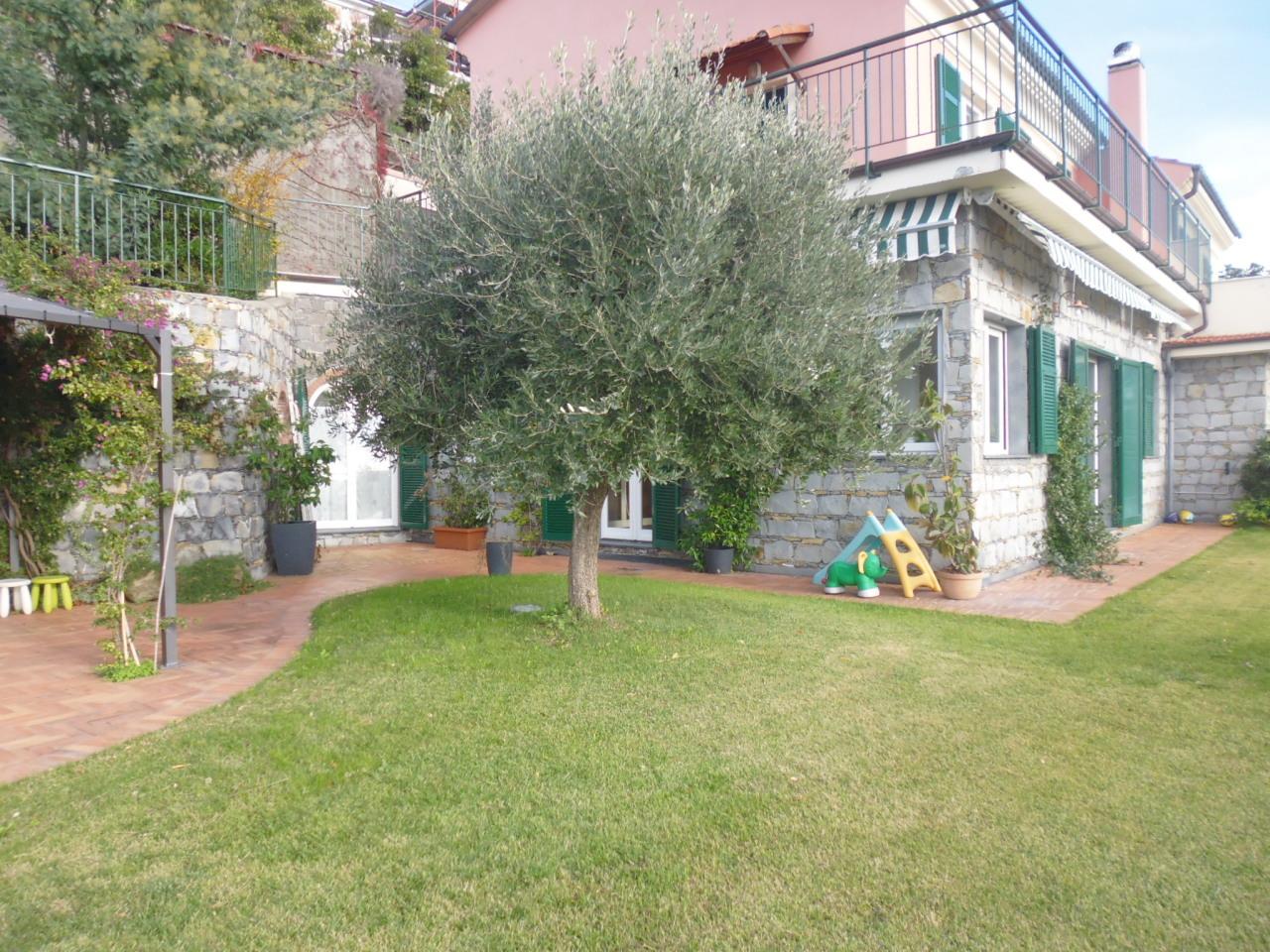 Appartamento in vendita a Casarza Ligure, 6 locali, Trattative riservate | CambioCasa.it