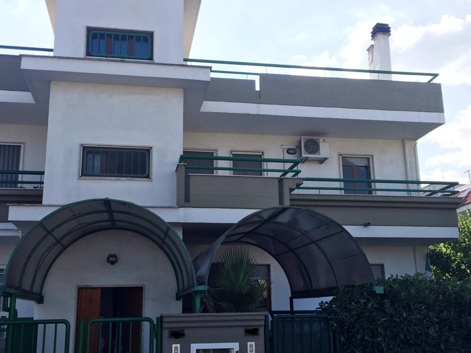 Villa - bifamiliare a Via turi, Casamassima