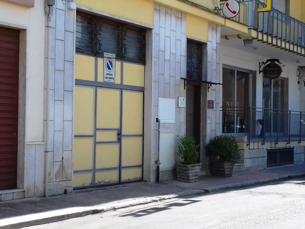 Box e posti auto da ristrutturare in affitto Rif. 10709229