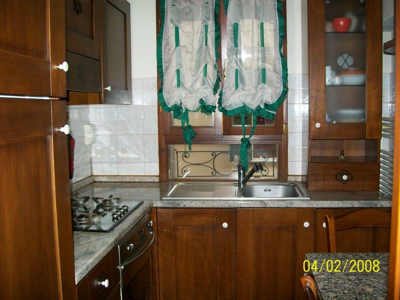 Bilocale in ottime condizioni arredato in vendita Rif. 4148445