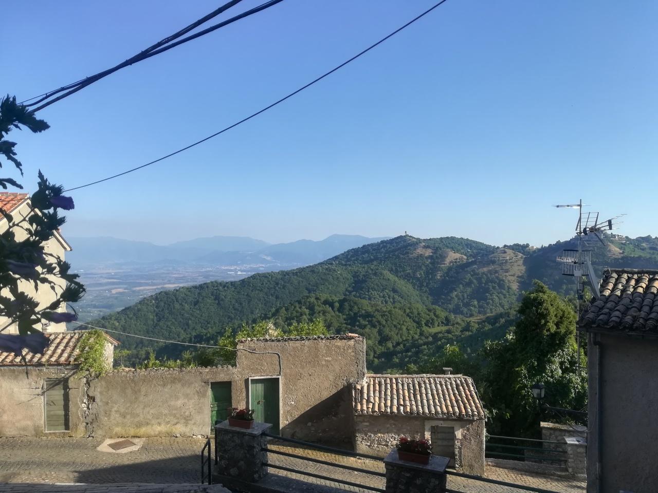 Appartamento in vendita a Capranica Prenestina, 3 locali, prezzo € 40.000 | CambioCasa.it